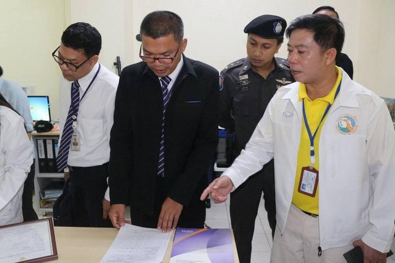Beamte auf Phuket kontrollieren Reiseunternehmer mit ausländischer Beteiligung