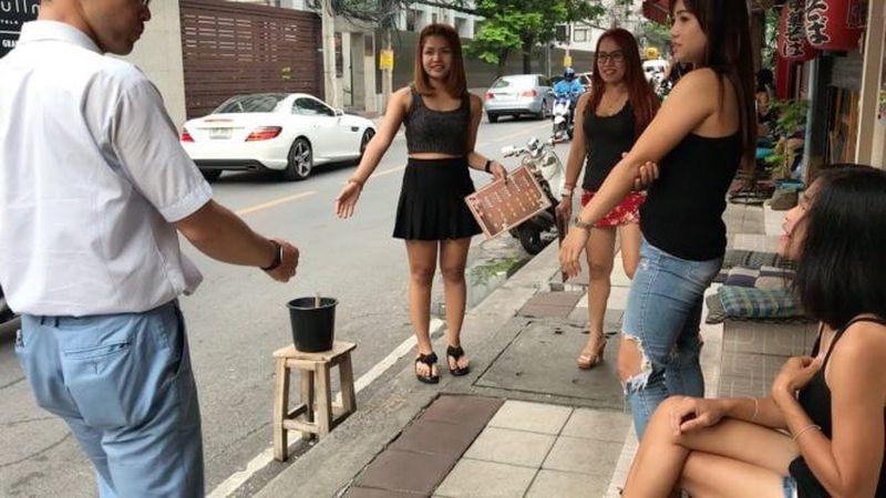 Die Thai Massage muss aufhören, mit der Prostitution in Verbindung zu stehen